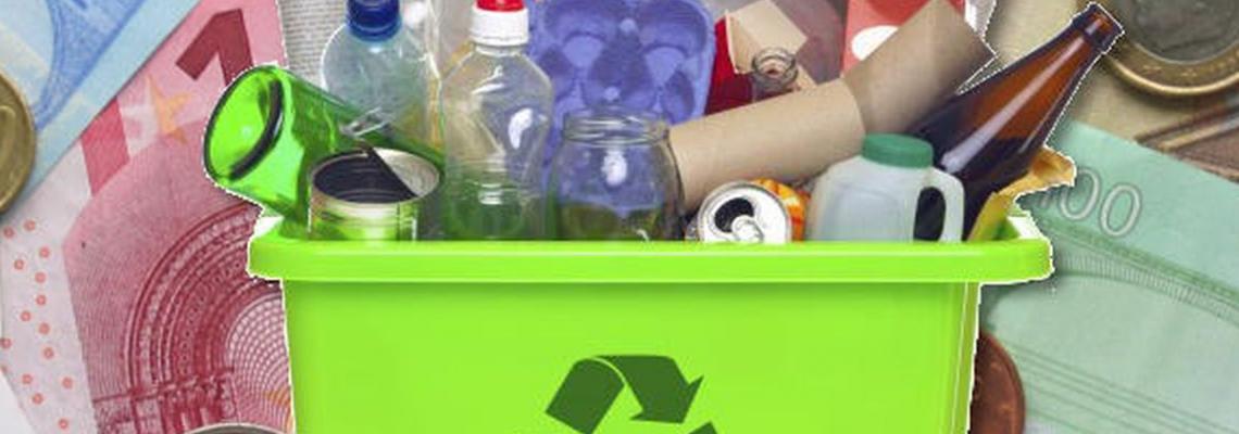 raccoglitori rifiuti e soldi monete